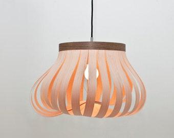 LJ LAMPS epsilon – verstellbare Pendelleuchte aus Holz