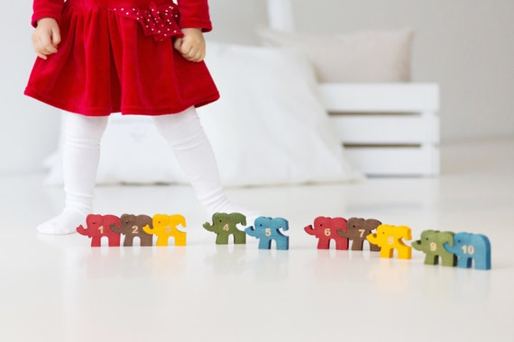 Toddler gift, Wooden Elephants Puzzle with Numbers, Educational Toy Children, Montessori Toy, Jigsaw Puzzle, Brain Teaser, Christmas Gift