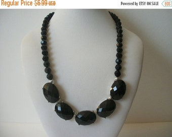 ON SALE Vintage 1928 Manufacturing Company Black Plastic Stone Necklace 1554