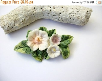 ON SALE Vintage 1960s Patch of Water Lilly Flowers Pin 62216