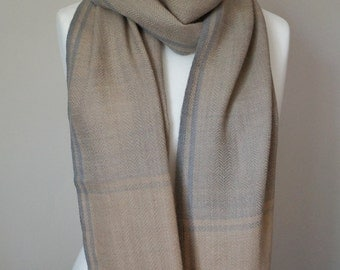 Handloom Sheep's Wool Scarf with Vegetable Dyes