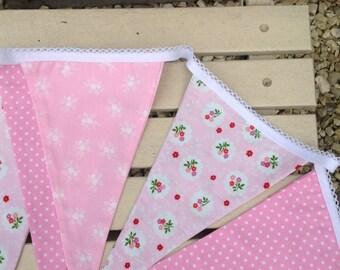 Handmade bunting/Bunting/Pink bunting/fabric bunting/pink garland/bunting handmade/shabby chic home/home decor