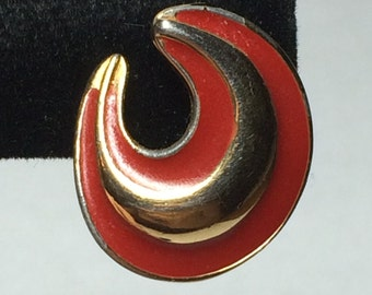 Gold Tone Swirls with Red Enamel 9350