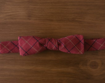 men's bow tie -  red plaid cotton straight batwing