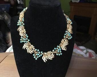 Vintage beautiful crown Trifari necklace