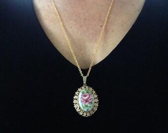 SALE: Vintage Porcelain Pendant, Rose Pendant, Porcelain Pendants, Pendants Rose, Rose Porcelain Pendant, Vintage pendants, vintage,  N76