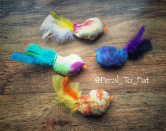 Organic Catnip Tie Dye Bird Cat Toy Gift Pack Kicker Pillow With Feathers
