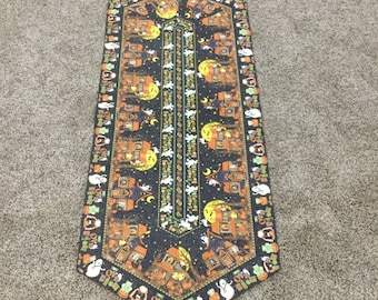 Trick or Treat! Halloween Table Runner!