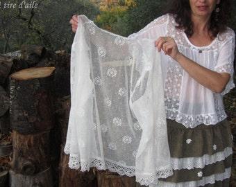 Prix baissé pour cette chemise blanche en dentelle ancienne romantique, shabby chic, boho, bohème, gypsy