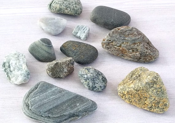 Colored beach rocks beach smooth stones beach pebbles craft for Colored stones for crafts