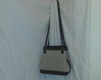 Brahmin Purse Alligator Canvas Dark Brown could also be Crocodile and Straw Weave