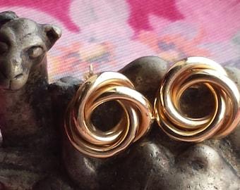 Vintage 14k Knot Earrings, Vintage 14k Love Knot earrings 3.30 grams