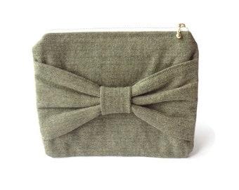 Clutch // Bow Pouch // Makeup Pouch // Zipper Pouch // Zippered Bow Pouch // Bow Pouch // Flannel Zipper Pouch