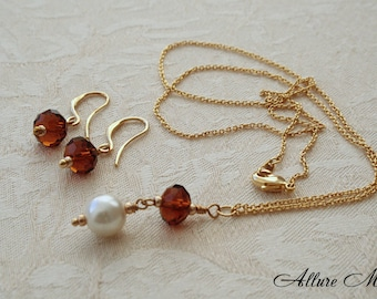 """Gold Plated 16K Pearl Set """"GWENDA"""" Necklace and Earrings with Honey Brown Glass Beads and larger Pearl in Cream Color"""