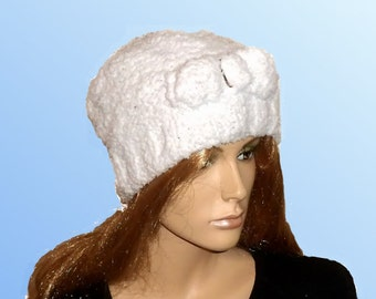 CHUNKY WHITE Ladies HAT.