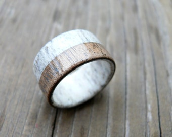 Deer Antler Ring with Oak Wood, Wedding Ring, Engagement Ring, Wood Ring, Bone Ring, Mens Ring, Deer Antler Men Ring, Gift