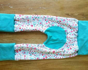 Scalable, flowered pants turquoise