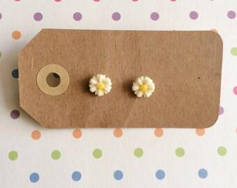 White Mini Flower Earrings