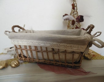Basket bread Wicker vintage; lace and linen, chic campaign; up cycling