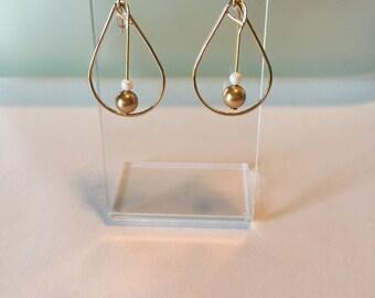 Teardrop Earring with Swarovski pearls