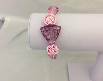 Pink roses beaded bracelet, pink beaded bracelet, foral bracelet, beaded floral bracelet,