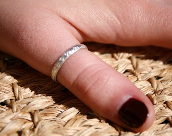 Rococo Thumb Ring in .925 Sterling Silver - 3mm Band with Design