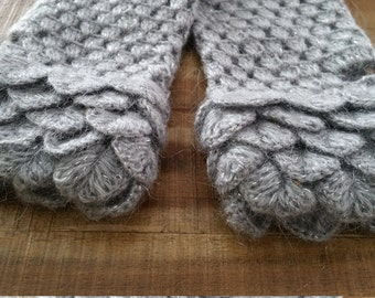 Handmade Fingerless Gloves - Crocodile Stitch