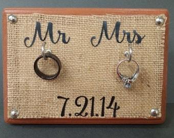 Burlap Mr & Mrs ring holder