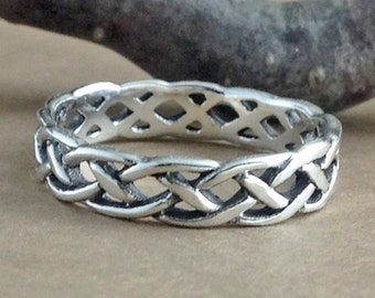 Celtic Braid Ring~Silver Celtic Braided Band~Infinity Knot Ring~Silver Woven Band~Knotted Ring~Braided Knot Ring~Wedding Band~Promise Ring