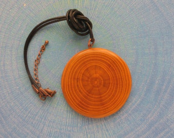 Necklace-pendant in Mulberry