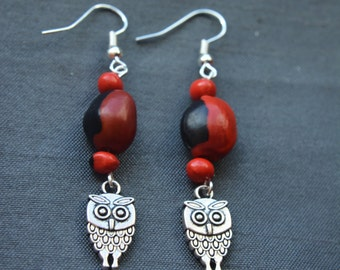 Huayruro earrings, made of natural seeds from Peru, Amazonia, red and black, for luck and prosperity, with owl pendant