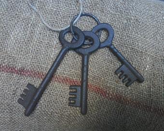 Old French set of three keys