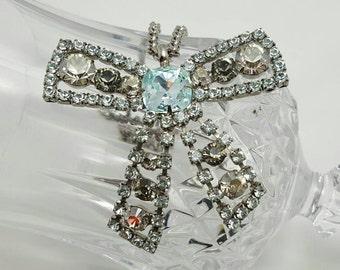 Rhinestone Bow Necklace