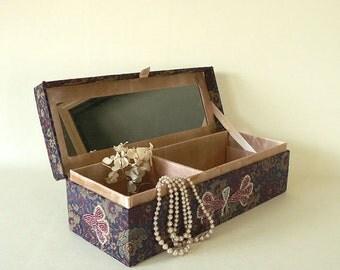 Womens jewelry / hankie / glove box