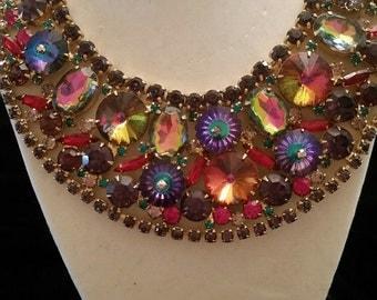Vintage Jeweled necklack