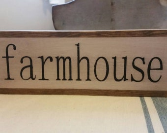 Vintage farmhouse inspired 'Farmhouse' mini sign