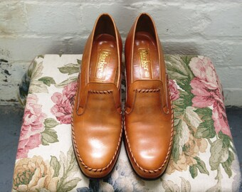 Womens Designer Vintage 1970's Tan Slip on Loafer Style Shoe by Barker of Earl Barton. UK Size 7. Made In England