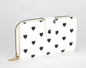 Oilcloth Clutch wallet- Love heart - Oil cloth ladies purse - Zip around wallet - Bifold wallet- Coin purse- Laminated cotton - Iphone Plus