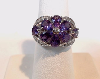 Amazing AMETHYST  Ring has a beautiful  flower design set in 14k white gold