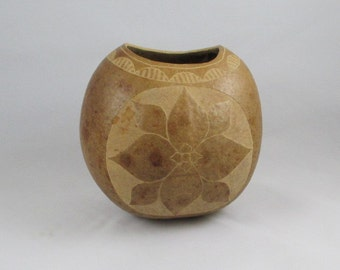 Gourd vase with carved hummingbird and floral design - 1980s