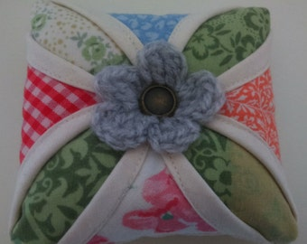Cathedral Window Patchwork Pin Cushion (PC014)