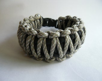 Paracord Bracelet/Wristband ~ King Cobra, 550 Paracord, American Handmade, Camping, Rope Bracelet, Fashion, Custom Made, Survival Bracelet