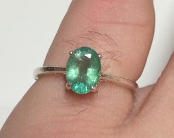 Natural zambian emerald ring.