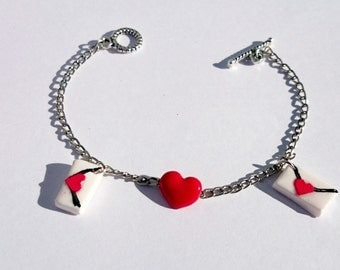 Free shipping. Bracelet heart and letter
