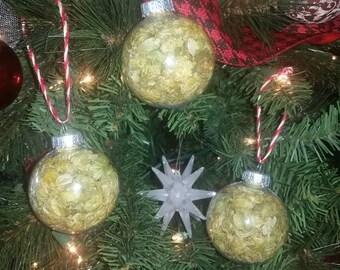 Hop ornaments