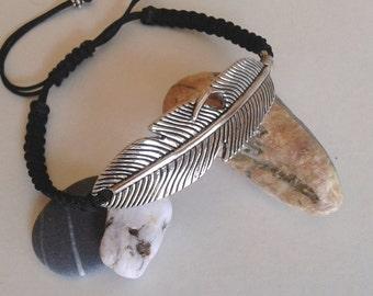 Macrame bracelet - braided bracelet pluma-Pulsera macrame and pen -