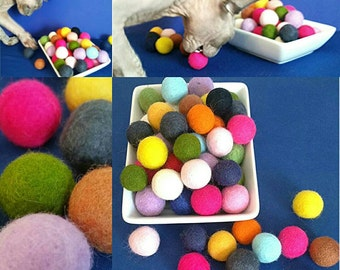 1 DAY SHIPPING 6 Pk-SMALL Felted Bouncy Ball Cat Toy / Your Choice: With/Without Organic Catnip / Gumball Toy Natural Wool Pom Pom