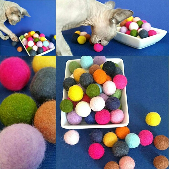 Bouncy balls for cats