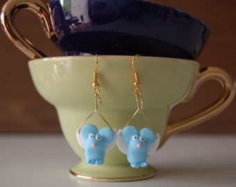 Flying Mouse Earrings / Vliegende Muis Oorbellen