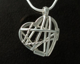 Treasure Heart  Locket